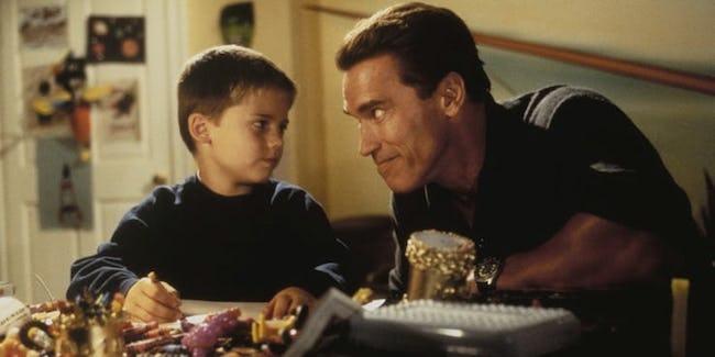 Jake-Lloyd-Schwarzenegger-Jingle-All-the-Way